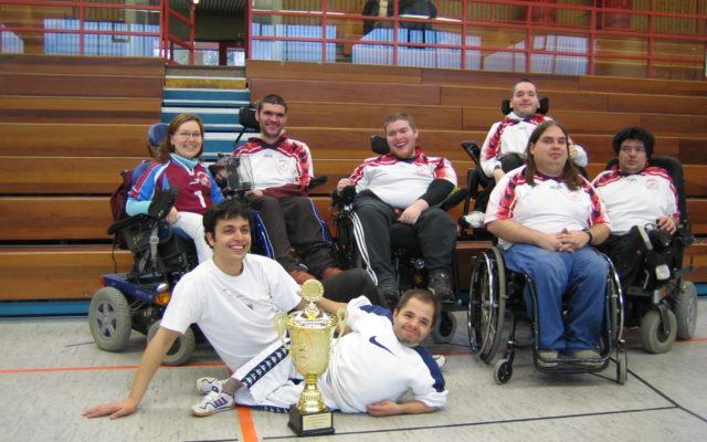 Erstmalig wurde die Deutsche Meisterschaft in einem Ligasystem ausgetragen. Am letzten Spieltag schlugen die Torpedos alle Konkurrenten und sicherten sich so den ersten deutschen Meistertitel, 2006